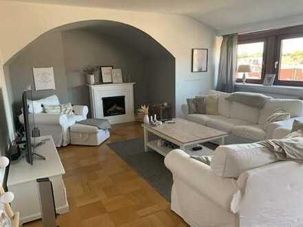 Wunderschöne 3-Zimmer-Dachgeschosswohnung mit Balkon in Bestlage / Wachmann Quartier