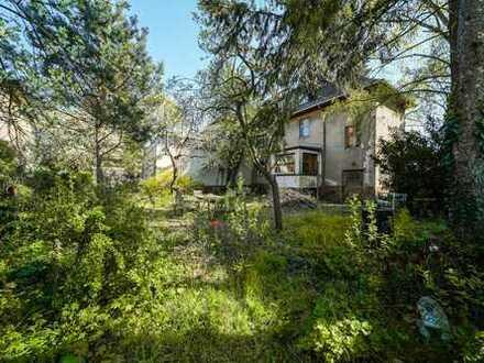 Kleines Mehrfamilienhaus in Potsdam-Babelsberg, komplett sanierungsbedürftig