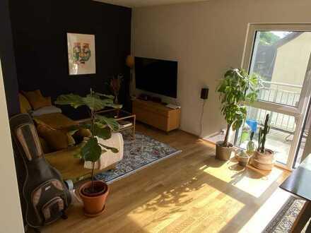 helle, moderne 2-Zimmer-Wohnung mit Balkon, offenem Wohn-Essbereich, EBK - in Würzburg/Unterdürrbach