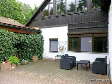 # Romantisch Wohnen in einem historischen Gutshof: Johannishof bei Oberhaid!