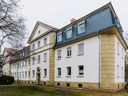 Gepflegte Altbau-Wohnung mit 5 Zimmern und Loggia in Neustadt an der Weinstraße