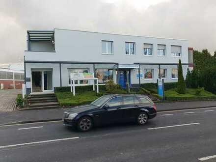 Wohnung mit Werkhalle und Außengelände in Bonn Beul.Optimal für Autohandel.