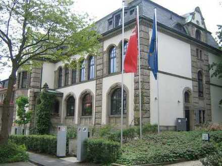 Schöne 5-Zimmer-Dachgeschosswohnung mit Balkon und EBK in Recklinghausen