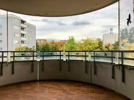 Renovierte 1,5-Zimmer-Wohnung im Haidach + Balkon + TG + EBK