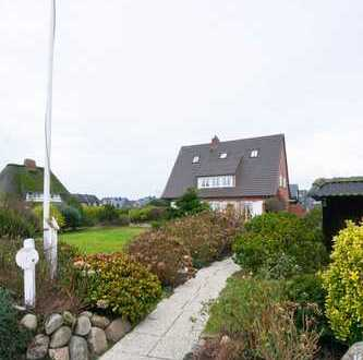 Schönes Einzelhaus mit 3 Wohnungen zur Dauermietung