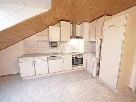 Gepflegte 3-Zimmer-DG-Wohnung mit EBK und Garage in sonniger Top Lage von Beilngries