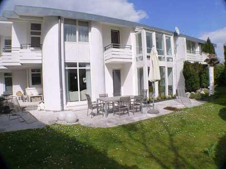 Luxuriöse Architektenvilla mit Büroanbau! Wohnen + Arbeiten auf 330 m² in Stadecken € 1.235.000,-