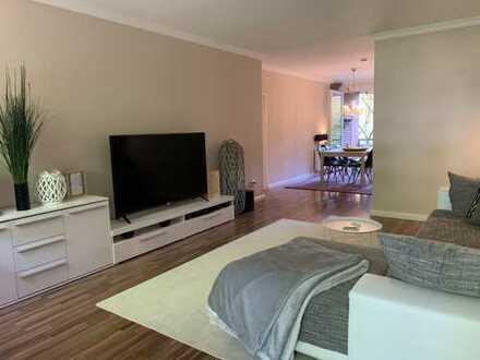 Stilvolle, modernisierte 3-Zimmer-Hochparterre-Wohnung mit 2 Balkonen und EBK