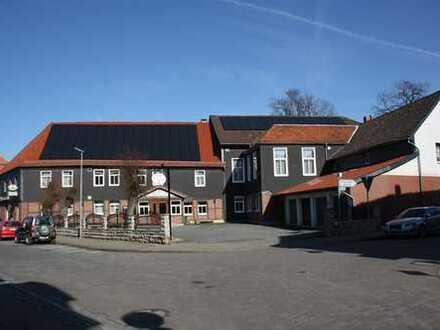 Wohn- und Gastronomiekomplex + 4 Wohnungen + 19 Garagen + 8 Carports +...