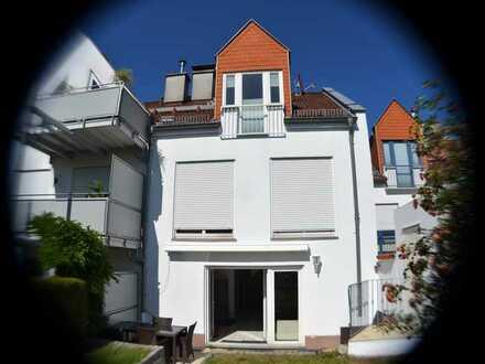 Gepflegtes Reihenhaus mit fünf Zimmern und Einbauküche in Heßloch, Wiesbaden