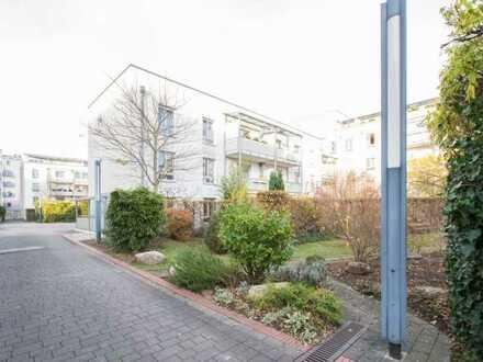 Stilvolle, moderne 3-Zimmer-Etagenwohnung mit Balkon und Einbauküche in Mainz
