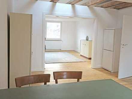 Erstbezug nach Sanierung mit EBK: stilvolle 2,5-Zimmer-Wohnung in Frankfurt am Main