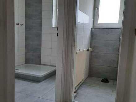 neu sanierte 3 Zimmer Wohnung mit Dusche ab sofort zu vermieten