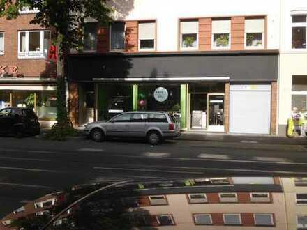 Stilvolle, sanierte 4-Zimmer-DG-Wohnung mit EBK in Düsseldorf