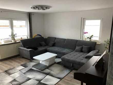 Modernisierte 4,5-Zimmer-Erdgeschosswohnung mit Einbauküche und Balkon in Möckmühl