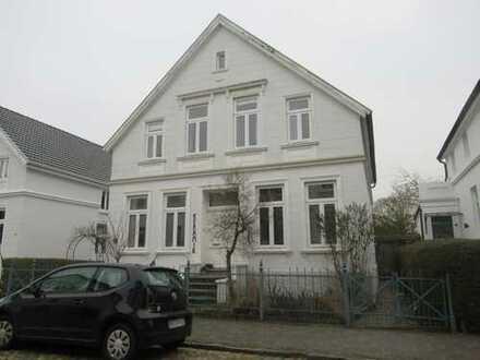 Modernisierte 3 Zimmer- Altbauwohnung in bevorzugter Oldenburger Wohnlage!