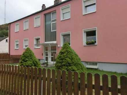 4-Zimmer Eigentumswohnung im Erdgeschoss mit Terrasse, Gartenanteil und Garage