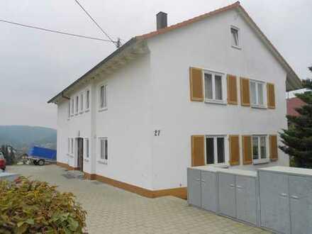 Schön gelegene 4-Zimmer-Wohnung mit großem Balkon