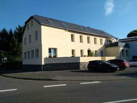 Schöne 5-Zimmer-Dachgeschosswohnung zur Miete in Burglahr