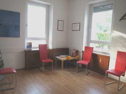 Büro- bzw. Praxisräume im Zentrum von Durlach zu vermieten