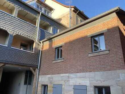 In Fürth am Theater - Erstbezug: 2,5-Zimmer Wohnung mit restaurierter Balken-Bohlendecke und Loggia