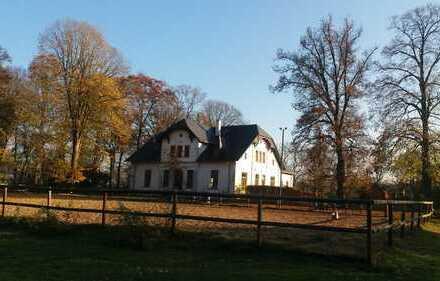 Lunestedt, Reiterhof mit Gründerzeitvilla von 1829