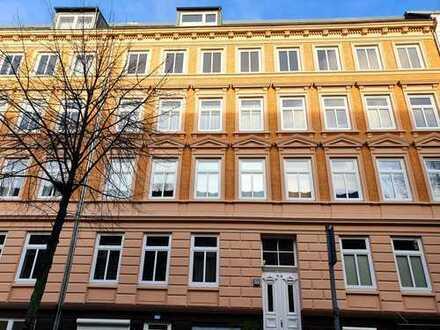 renovierte 3-Zimmer- Altbauwohnung mit Balkon/ Gründerzeit in Eilbek, Hamburg