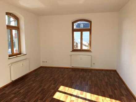 Sehr schöne, bezugsfertige 2-Raum-Wohnung mit großem Balkon in 01877 Bischofswerda zu vermieten!