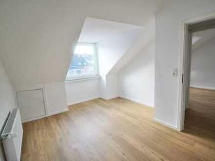 Starterwohnung 2 Zimmer im Dachgeschoss - nähe City, Leibnitzplatz & Hochschule- TOP !!
