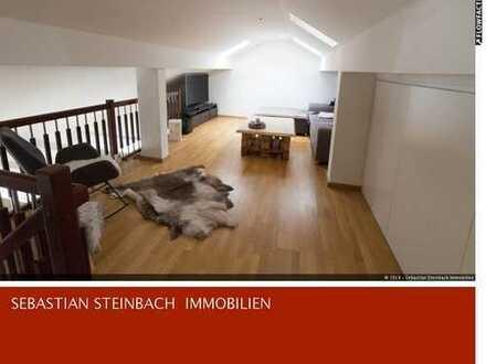 **Traumhafte Maisonette-Dachgeschosswohnung + großer Balkon + EBK + Aufzug + Stellplatz**