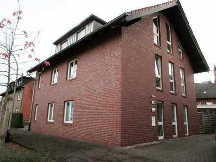 !! TOP !! Obergeschosswohnung im ruhigen 3 FH mit Balkon anzumieten !!