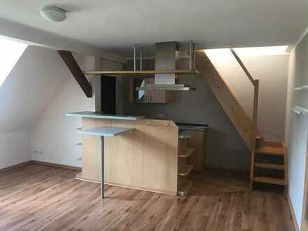 neu sanierte 2-Zimmer-Maisonette-Wohnung mit amerikanischer Bar/Einbauküche im Zentrum Großenhain