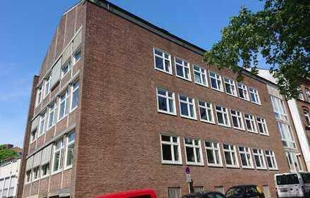 Großzüge & repräsentative Büroräume (Dachgeschoss) am Kleinen Kiel