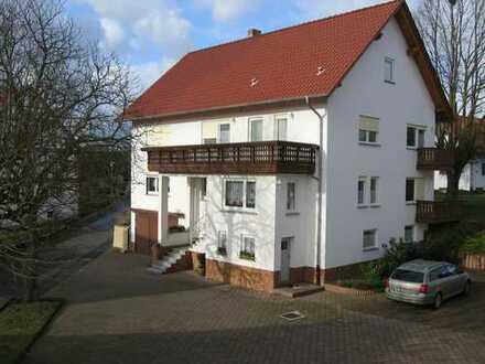Frisch renovierte 3-ZKB-EG-Wohnung mit Balkon und Garten Neukirchen-Christerode