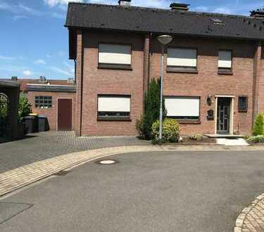 Großzügig geschnittenes Reiheneckhaus/2 Generationen Haus, ca.190qm Wfl, m. Garten u. Dachterasse