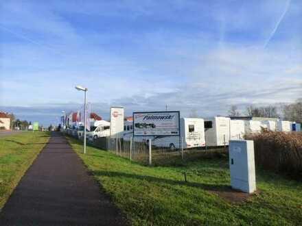 Freifläche befestigt mit Lagerhalle und Bürocontainer direkt an der B1!