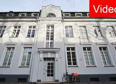 Kernsaniert: Traumhafte 3-Zimmer-Altbauwohnung mit viel Charme und tollem Balkon - Grünblick!