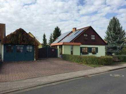 Familienfreundliches Haus mit Garten und gemütlichen Kachelofen