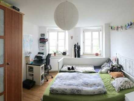 In unter 1 Std. nach München! Zentrumsnahe möblierte 2-Zimmer-Wohnung