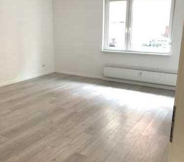 Großzügige neu renovierte 4-Zimmer-Wohnung im Erdgeschoss