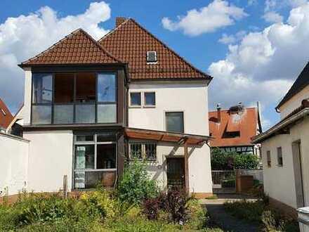 Freistehendes 1-2 Familienhaus mit großem Garten in begehrter Rheinnähe von Altrip !