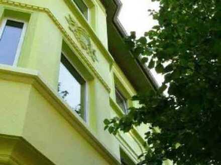 Schöne helle 2-Zimmer-Wohnung mit Balkon in der Nähe des Hoeschparks
