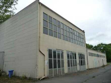 Lagerräumlichkeiten 256 m² - einfach aber supergünstig! (1 Raum mit 197 m² u. 1 Raum mit 59 m²)
