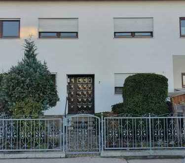 Wintergarten + Treppenlift + neuwertige Einbauküche!
