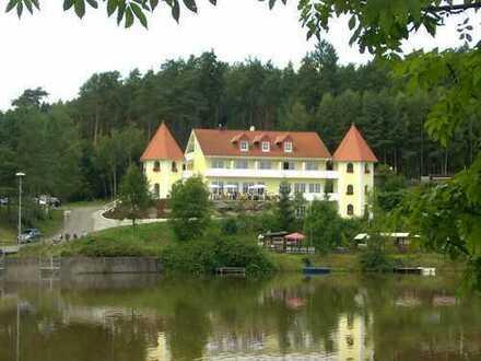 Sofort frei! 23 m2 Apartment (vollmöbliert) + 5 m2 Balkon in der Residenz am See