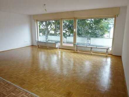 Modernisierte 2-Zimmerwohnung mit großer Terrasse in Lövenich!