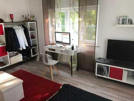 Großes Zimmer voll möbliert mit Tv und Soundsystem inkl. direkt an der U1