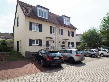 RESERVIERT! Riegel: Moderne Doppelhaushälfte mit Garten in zentraler Altstadtlage