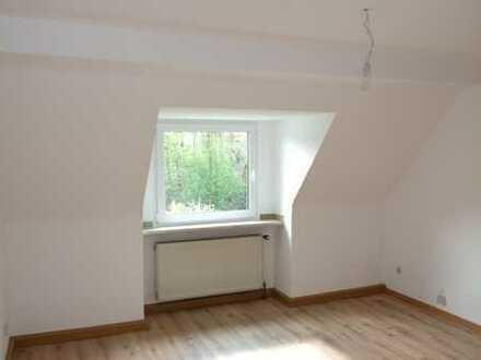 Schöne 4-Zimmer-Dachgeschosswohnung in Essen-Kupferdreh