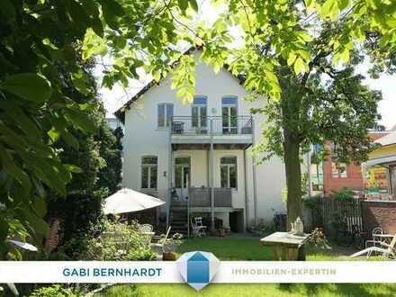 RESERVIERT! Stilvolle Altbauvilla - Denkmalschutz 1911 - urbanes Wohnen für Sie - mit und ohne Miete